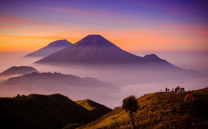 5 Daftar Gunung di Indonesia yang Ditutup Pendakiannya Sementara : Okezone Lifestyle