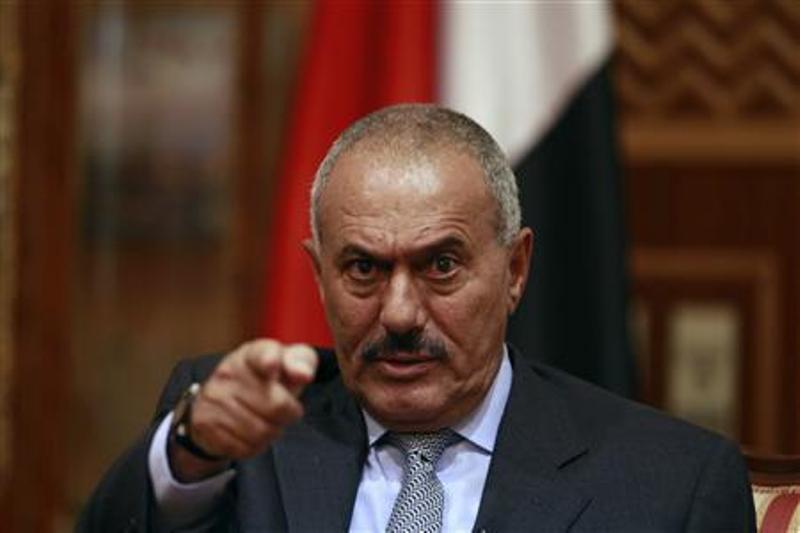 https: img.okezone.com content 2017 12 05 18 1825416 ali-abdullah-saleh-presiden-pemersatu-yaman-yang-berakhir-tragis-x38dORenM7.jpg