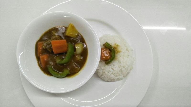 https: img.okezone.com content 2017 12 06 298 1826335 penuh-rempah-lezatnya-japanese-beef-curry-untuk-santap-malam-74J4zBqLb0.jpg