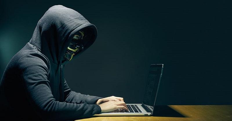 https: img.okezone.com content 2017 12 08 207 1827514 terungkap-hacker-uber-ternyata-pemuda-berusia-20-tahun-x6XOXYb1B8.jpg