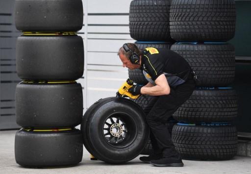 https: img.okezone.com content 2017 12 08 37 1827097 ciptakan-2-ban-baru-musim-2018-pirelli-berikan-jaminan-kepada-seluruh-pembalap-f1-jSheWQXhtY.jpg