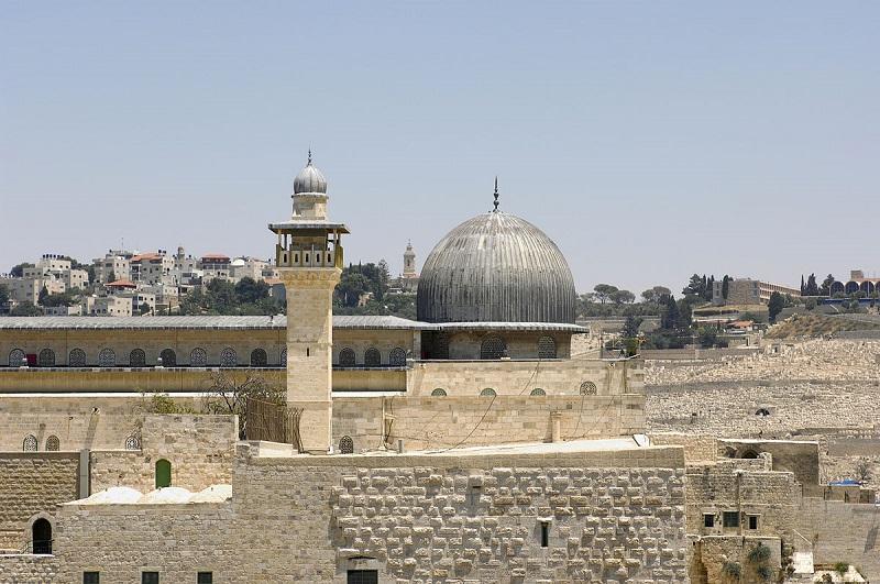 https: img.okezone.com content 2017 12 08 406 1827344 dikenal-sebagai-kota-3-agama-kenali-destinasi-wisata-religi-di-yerusalem-yang-bisa-dikunjungi-XmXhvF9j7F.jpg