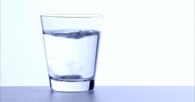 air hangat akan mengeluarkan racun dari tubuh, terutama racun yang dapat menyebabkan penuaan dini.