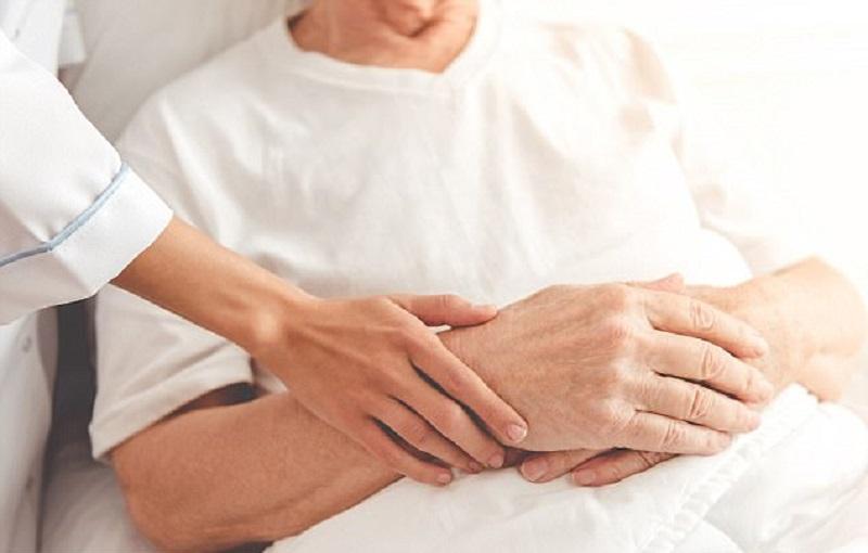 https: img.okezone.com content 2017 12 13 481 1829729 perawatan-paliatif-minimalisir-rasa-sakit-pasien-hingga-ajal-menjemput-c8GYi5Ahwo.jpg