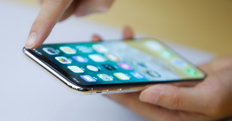 https: img.okezone.com content 2017 12 17 57 1831750 iphone-x-tampil-buruk-terkait-penjualan-kok-bisa-HDOPhFWpu5.jpg