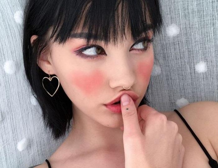 https: img.okezone.com content 2017 12 18 194 1832028 trik-aplikasikan-blush-on-gambar-hati-jadi-tren-kecantikan-menggemaskan-berani-coba-dOhuFiqfgJ.jpg