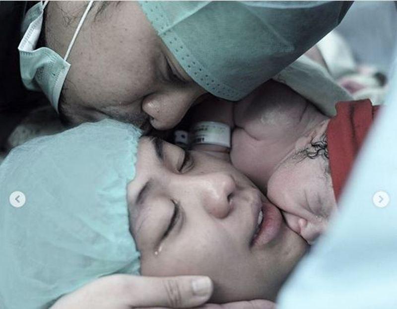 Dikaruniai Bayi Laki Laki Ini Wajah Lucu Anak Ketiga Oki Setiana Dewi Okezone Celebrity