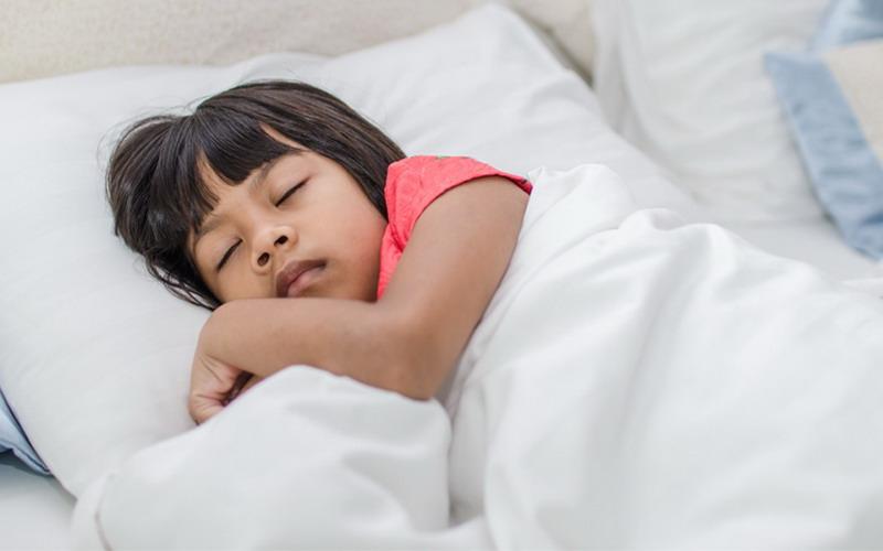 https: img.okezone.com content 2017 12 20 196 1833240 4-hal-harus-dilakukan-orangtua-agar-buah-hati-tidur-nyenyak-ZQ5vFbKYYh.jpg