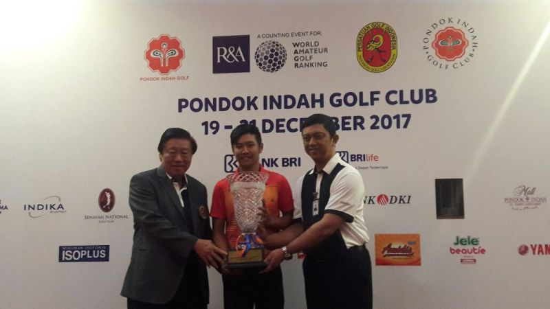 https: img.okezone.com content 2017 12 21 43 1834230 jonathan-wijono-sabet-penghargaan-di-international-junior-golf-championship-UplQ8fIx6V.jpeg