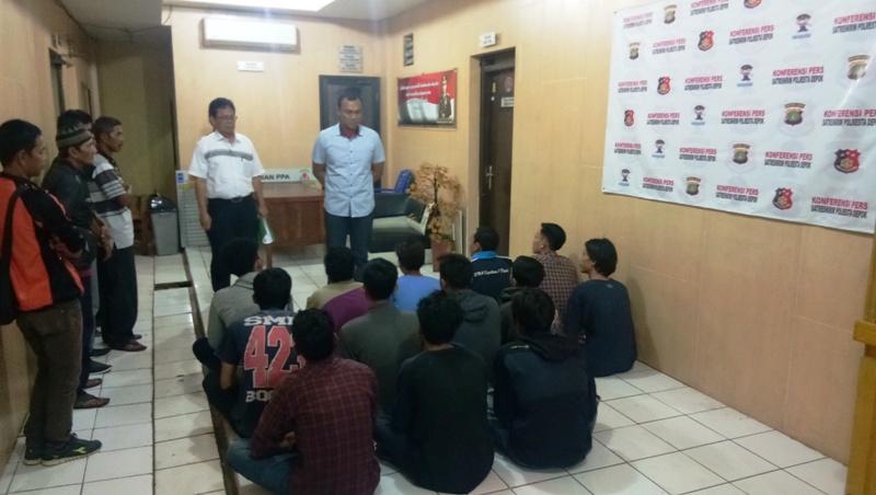 Image result for penjarah distro depok