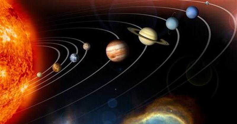 https: img.okezone.com content 2017 12 28 56 1837100 mengapa-planet-planet-tak-bertabrakan-di-sistem-tata-surya-ini-penjelasannya-WLxcWM3q1M.jpg
