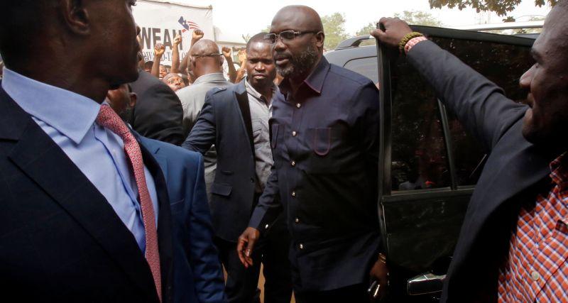 https: img.okezone.com content 2017 12 29 18 1837301 mantan-pesepakbola-george-weah-terpilih-jadi-presiden-liberia-mnxZR98Tfo.jpg