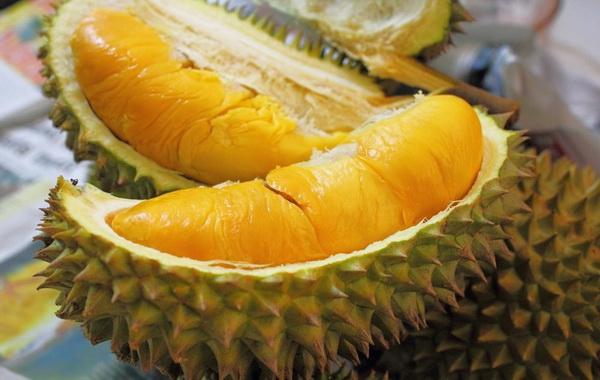 https: img.okezone.com content 2018 01 04 298 1840070 penampakan-durian-jawara-bertekstur-kenyal-legit-rasanya-e8A34TOrYe.jpg