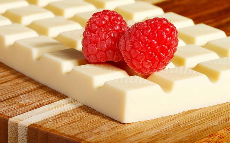 https: img.okezone.com content 2018 01 10 298 1842866 tidak-rugi-doyan-makan-cokelat-putih-ini-6-manfaat-dari-rasa-manisnya-tLMs50zc3u.jpg