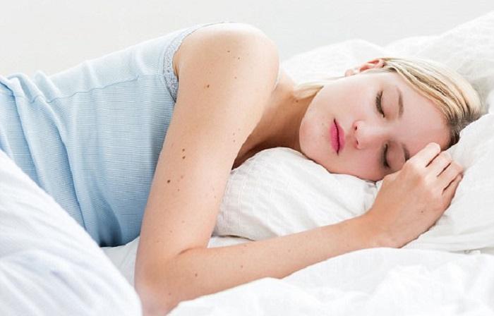 Jika terlalu lama, tidur siang justru bisa membuat Anda lemas dan pusing habis bangun.