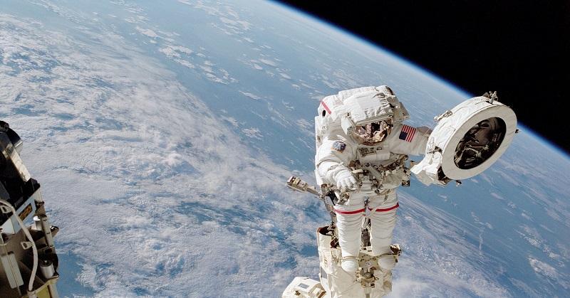 https: img.okezone.com content 2018 01 10 56 1842723 5-mitos-seputar-astronot-yang-dijelaskan-nasa-Q378EC9nqN.jpg