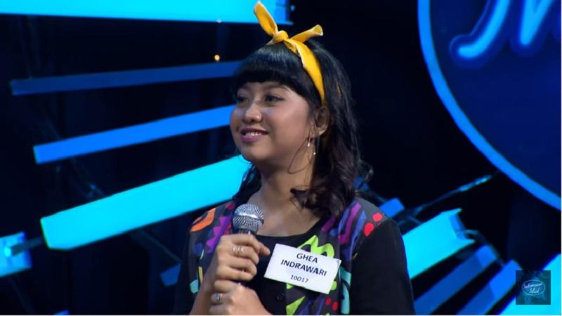 https: img.okezone.com content 2018 01 10 598 1842913 make-up-ghea-di-babak-eliminasi-3-indonesian-idol-curi-perhatian-vam434rR3p.jpg
