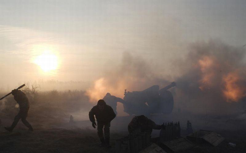 https: img.okezone.com content 2018 01 12 18 1844275 tiga-tentara-ukraina-tewas-dalam-bentrokan-dengan-kelompok-pro-rusia-reCBmSWzIW.jpg