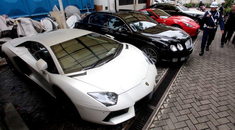 Hitung-hitungan Pajak Mobil Mewah - Otomotif Liputan6.com