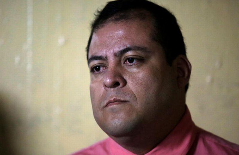https: img.okezone.com content 2018 01 14 18 1844703 anggota-kongres-guatemala-diciduk-atas-tuduhan-pembunuhan-dua-jurnalis-WEewOk1AwP.jpg