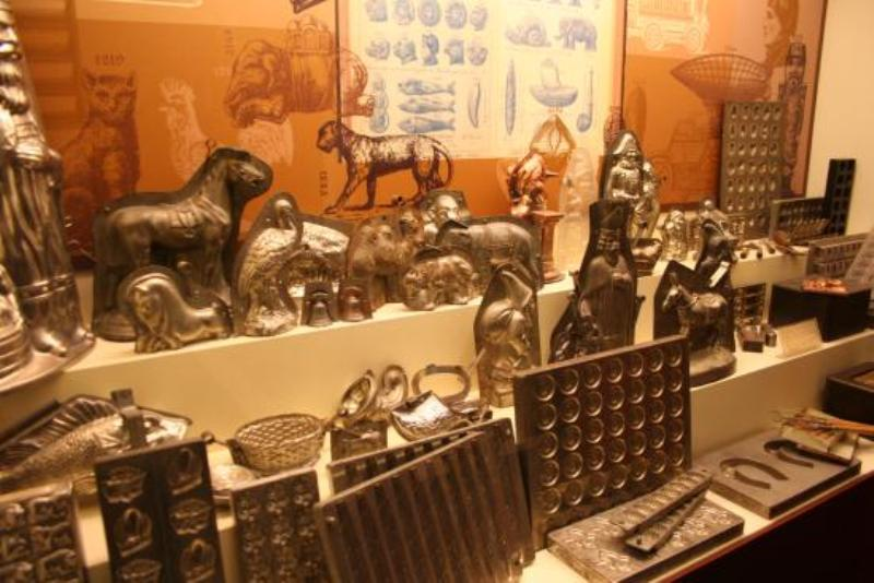 https: img.okezone.com content 2018 01 14 406 1844718 museum-choco-story-mengenal-cokelat-belgia-lebih-dalam-dengan-cara-unik-3T3dY8AYVK.jpeg