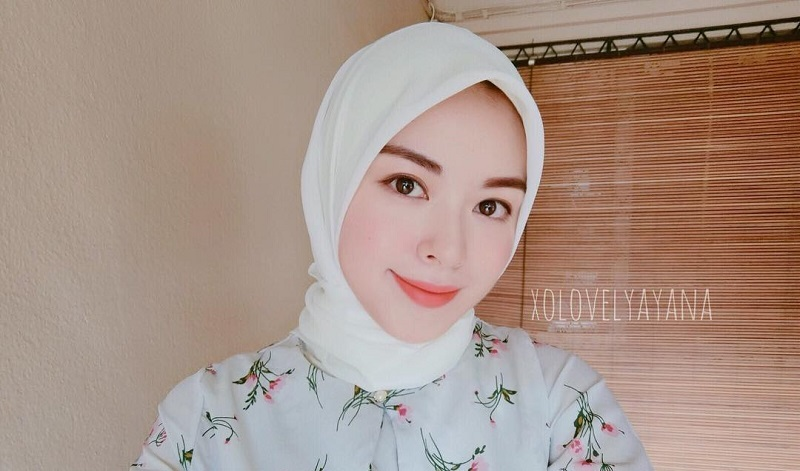 Intip Gaya Hijab Ayana Jihye Moon, Mualaf Eks Girlband Korea yang Lagi Liburan ke Jakarta