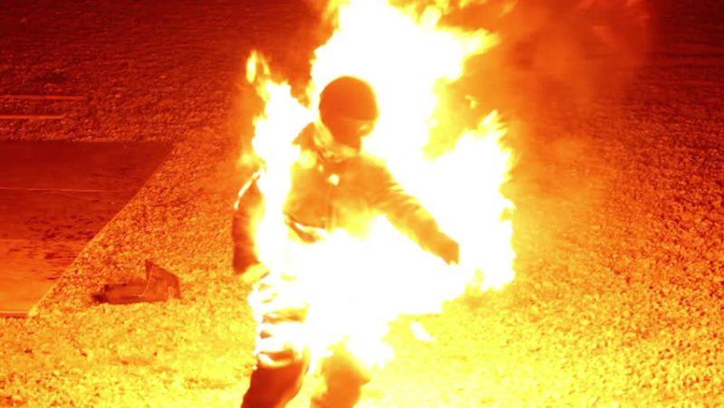 Hasil gambar untuk ilustrasi manusia terbakar