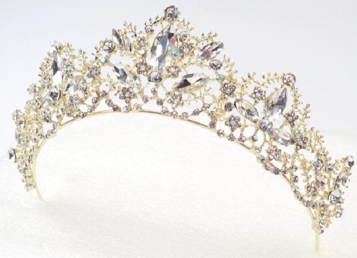 https: img.okezone.com content 2018 01 16 194 1845806 cantik-5-tiara-mewah-yang-terinspirasi-dari-disney-princess-TBYG5EbWOx.jpg