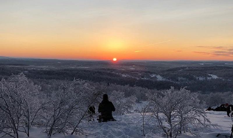 https: img.okezone.com content 2018 01 16 406 1845777 penduduk-di-utara-rusia-bisa-lihat-matahari-terbit-setelah-40-hari-dalam-kegelapan-g8t87T5xKf.jpg