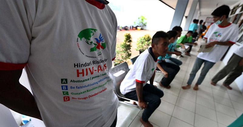 Gay Jadi Penderita Terbanyak Hiv Di Kota Bekasi Okezone News