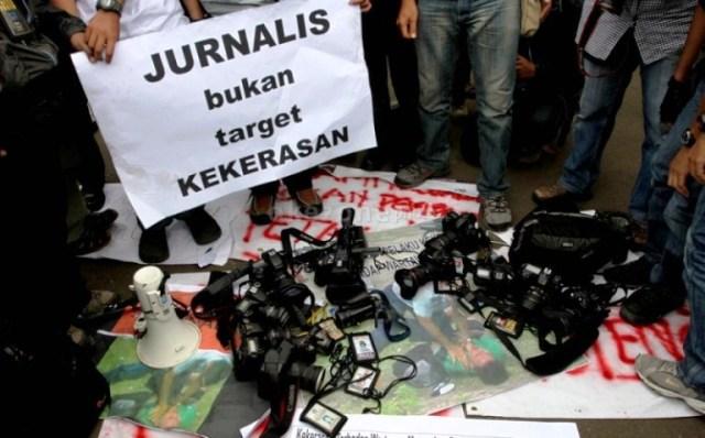 https: img.okezone.com content 2018 01 20 337 1847790 dewan-pers-praktik-jurnalisme-anarkis-marak-di-indonesia-6Zxqt9aiF6.jpg