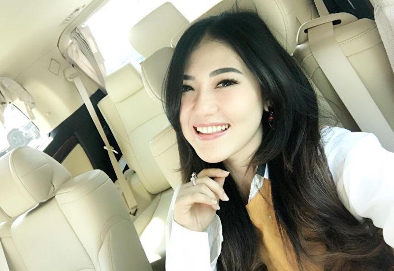 https: img.okezone.com content 2018 01 20 598 1847927 cerita-via-vallen-2-kali-batal-audisi-indonesian-idol-afE2VOe88u.jpg