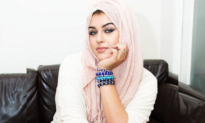 Gara-Gara Gal Gadot, Beauty Blogger Muslim Tolak Penghargaan Bergengsi