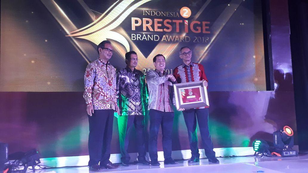 https: img.okezone.com content 2018 01 25 278 1850388 mnc-play-raih-penghargaan-indonesia-prestige-brand-award-2018-GVeABOs9sU.jpg