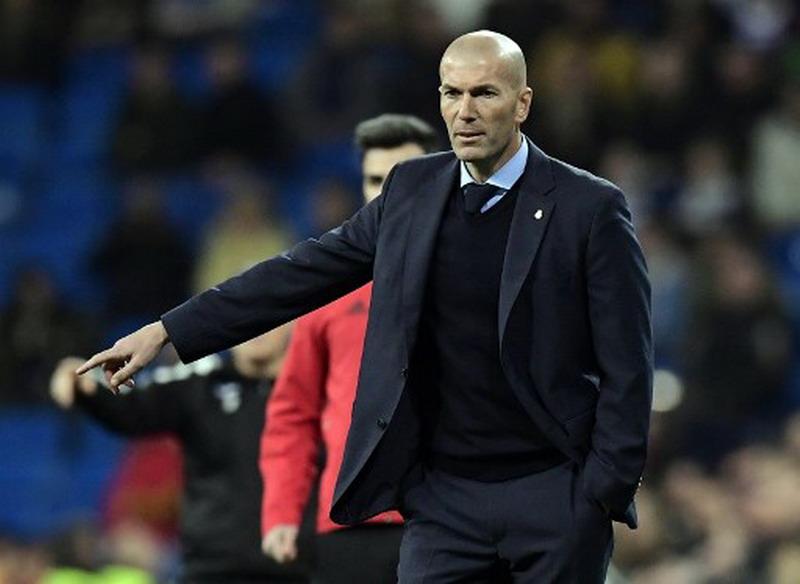 https: img.okezone.com content 2018 01 25 46 1850345 zidane-bertanggung-jawab-atas-tersingkirnya-madrid-dari-copa-del-rey-zk9hojRxW8.jpg