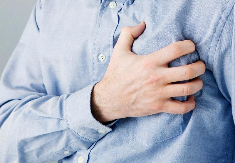 https: img.okezone.com content 2018 01 25 481 1849878 6-kondisi-paling-umum-penyebab-tulang-dada-terasa-sakit-RNFHAJ0WnU.jpg