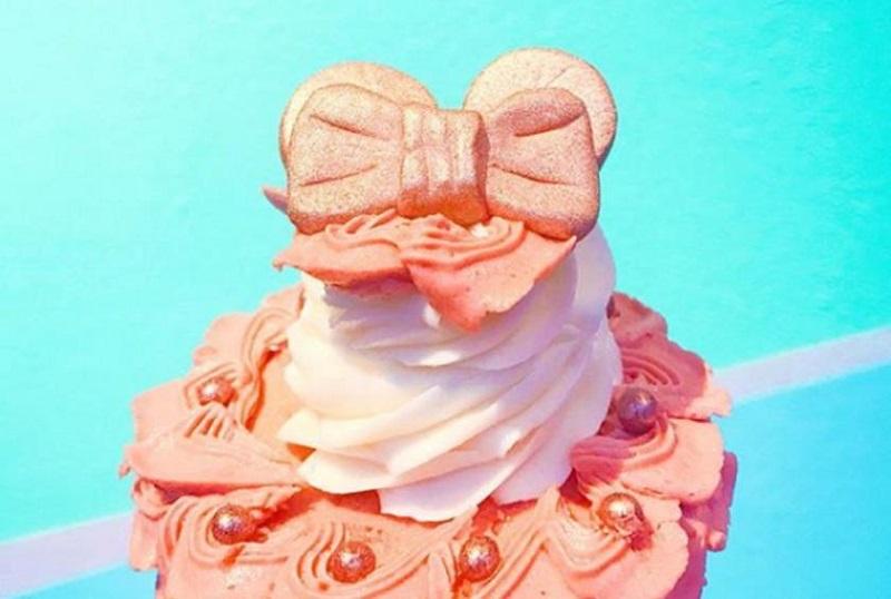 https: img.okezone.com content 2018 01 26 298 1850832 cupcakes-rose-gold-versi-disney-bikin-netizen-penasaran-ingin-mencicipi-t56nOAGGoD.jpg