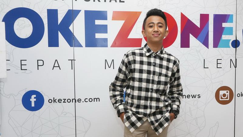 https: img.okezone.com content 2018 01 27 205 1851159 sentuhan-broadway-di-single-terbaru-bukti-rian-idol-junior-perkaya-wawasan-musik-DJozSzA01d.jpg