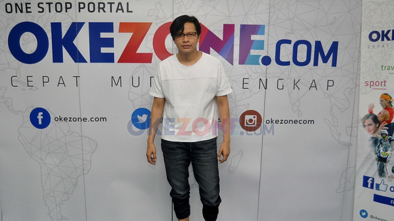 https: img.okezone.com content 2018 01 27 205 1851172 armand-maulana-pastikan-single-ke-4-bakal-bikin-jantung-robek-Q3UaVRUNBw.jpg