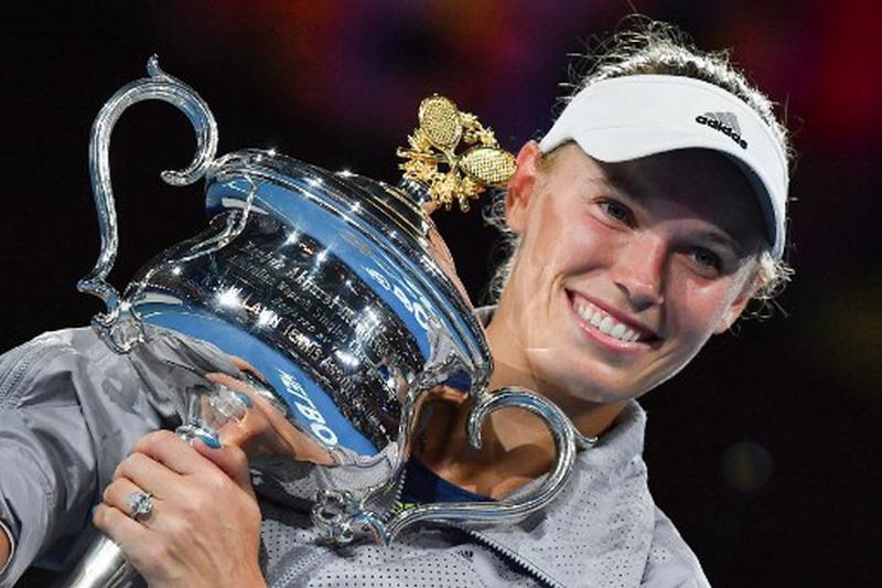https: img.okezone.com content 2018 01 28 40 1851231 wozniacki-emosional-rebut-gelar-grand-slam-perdana-di-australia-open-2018-0GPPm3oGaK.jpg
