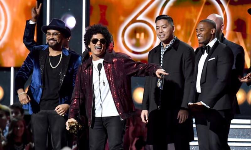3 Hal Yang Jadi Kontroversi Di Grammy Awards 2018 Okezone Celebrity