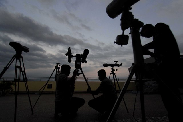 https: img.okezone.com content 2018 01 31 338 1852475 ini-7-lokasi-pengamatan-gerhana-bulan-total-di-jakarta-YgNYa1oBRB.jpg