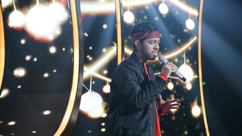 https: img.okezone.com content 2018 01 31 598 1852421 duet-dengan-ari-lasso-glen-buka-spektakuler-show-2-indonesian-idol-xzB6U8J6YS.jpg