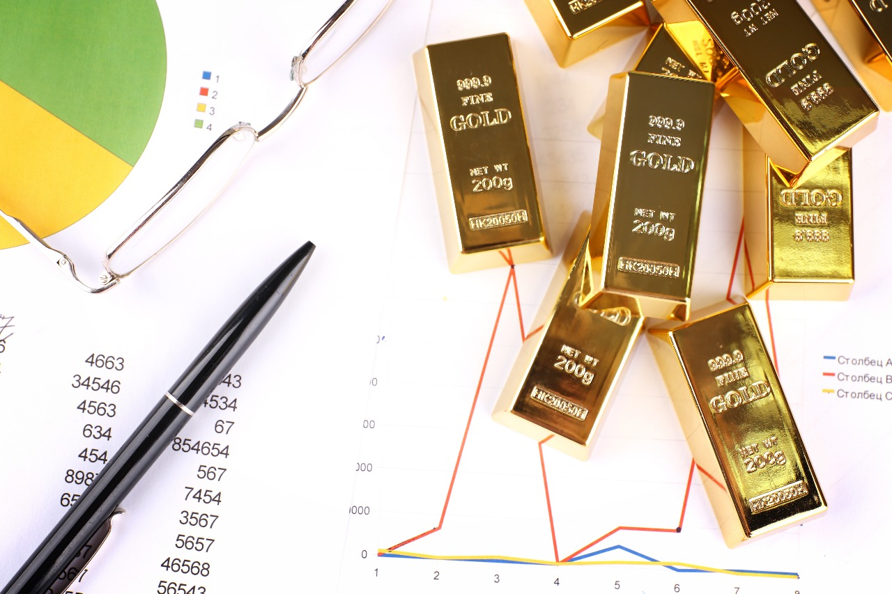 Harga Emas Antam Turun Rp5.000 Gram : Okezone Economy