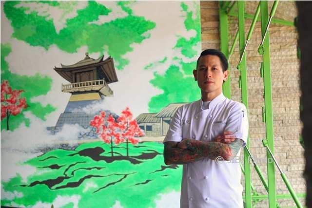 https: img.okezone.com content 2018 02 09 298 1857278 fun-cooking-demo-ala-chef-juna-buka-rakernas-asosiasi-juru-masak-indonesia-wGluS1HVnD.jpg