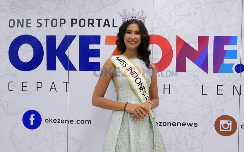 https: img.okezone.com content 2018 02 10 194 1857680 achintya-nilsen-kenang-masa-masa-awal-mengikuti-miss-indonesia-dPFRNw9YAt.jpg