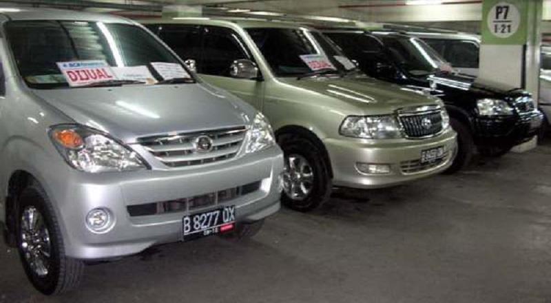 Mau Kredit Mobil Bekas Di Leasing Atau Dealer Okezone Economy