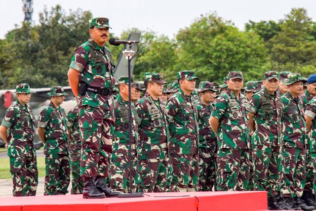 Panglima Tinjau Prajurit TNI AL - 138.7KB