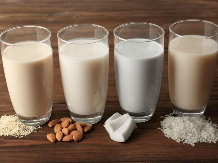 https: img.okezone.com content 2018 02 13 481 1858773 kandungan-nutrisi-susu-kedelai-yang-bisa-diandalkan-untuk-sarapan-Y59BCymX3f.jpg