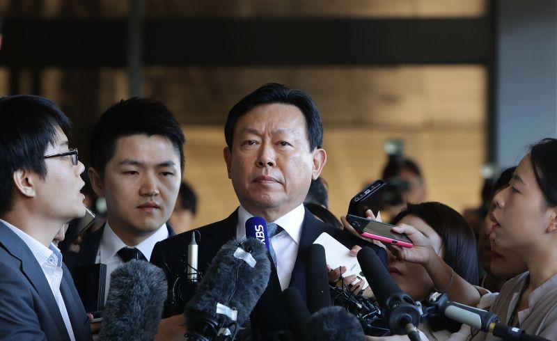 FPNI CEO Lotte Sekaligus Orang Terkaya Ke-5 Korea Selatan Ditahan akibat Korupsi : Okezone Economy